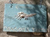 Sign to the Dragon Teeth © midwinter-az