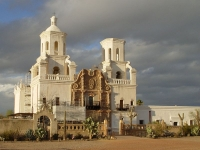 The Mission San Xavier del Bac © Wikimedia Commons