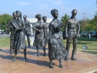 Little Rock Nine Monument © Cliff