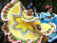 Cinco de Mayo Dancers © dbking