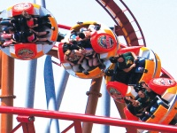 Thrilling rollercaoster at Knott\'s Berry Farm © Smart Destinations