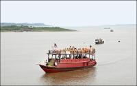 Boats on the Tonle Sap, Cambodia © Jean-Pierre Dalbera
