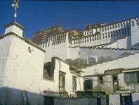 Potala Palace, Lhasa, Tibet © waggles