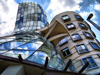 Milunic and Gehry\'s Dancing House ©