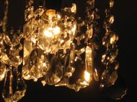 Crystal chandelier ©