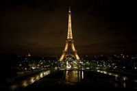 Eiffel Tower by night © Jay Buangan
