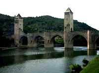 Pont Valentré, Cahors © Globe Media