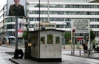Checkpoint Charlie © Piro