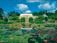 Wilhelma pond and green house © Stuttgart-Marketing GmbH