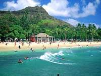 Diamond Head, Waikiki Beach © O'hau Visitors Bureau
