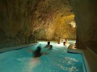Cave bath © Cili Krisztian
