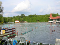 The Gyógytó Thermal lake in Hévíz © mirtilla752000