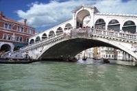 Rialto Bridge © gnuckx