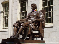 Statue of John Harvard, Harvard Yard © Jessica Williams