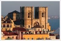 Lisbon Cathedral © ChromaticOrb