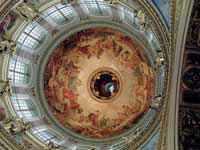 Dome inside St Isaac's Cathedral © Sanne Smit