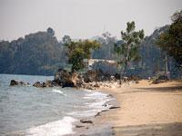 Gisenyi beach © dylwalters/1196773966