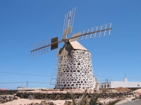 La Oliva windmill © Edub