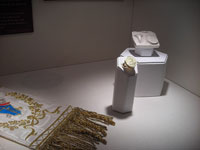 Funeral History Museum Papal exhibit © favouritethings