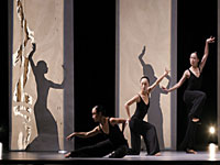Cloud Gate Dance Theatre of Taiwan © UWA Perth International Arts Festival/LIN Ching-yuan